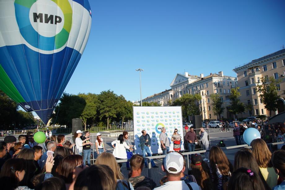 Подарок от радио «МИР»: студентов из Астрахани впечатлил полет на аэростате