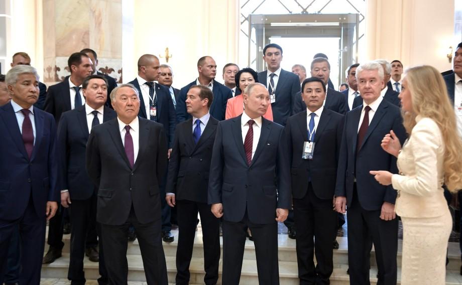 Путин и Назарбаев – первые гости: обновленный павильон «Казахстан» на ВДНХ удивил национальным колоритом