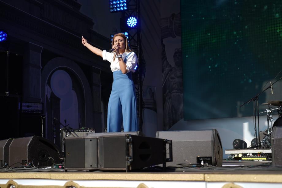 День Москвы: на концерте «МИРа» на Охотном ряду выступили лауреаты «Славянского базара»