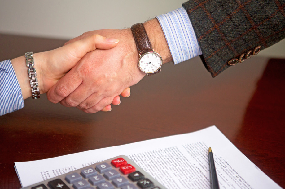 Восемь главных стереотипов о работе адвоката: меркантильные циники или профессионалы?