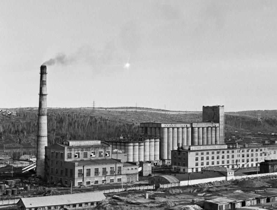 Город трудовой доблести Иркутск: центр производства бомбардировщиков и лечения бойцов Красной армии