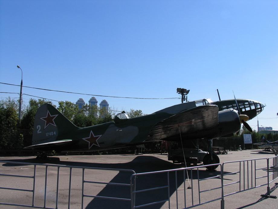 «Я собрала 122 рубля на куклу, а теперь отдаю на танк»: как Омск стал Городом трудовой доблести?