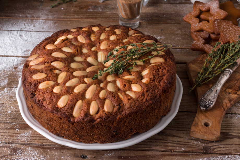 Рождественский пирог с сухофруктами, трюфели с коньяком, апельсиновые чипсы и другие новогодние сладости. РЕЦЕПТЫ