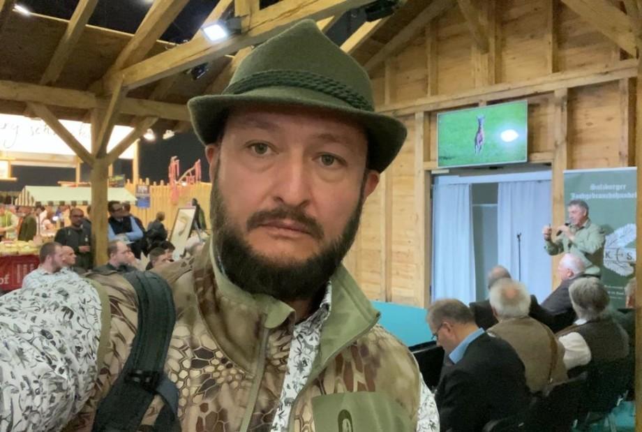 Гарем, питание и свобода: как в Казахстане разводят бухарских оленей и кабанов