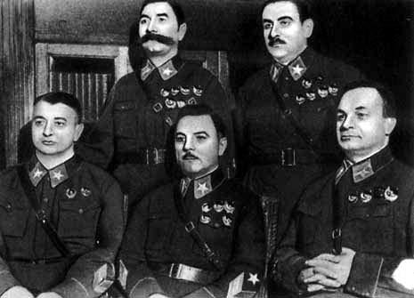 Как бедный крестьянин Семен Буденный стал маршалом Советского Союза?