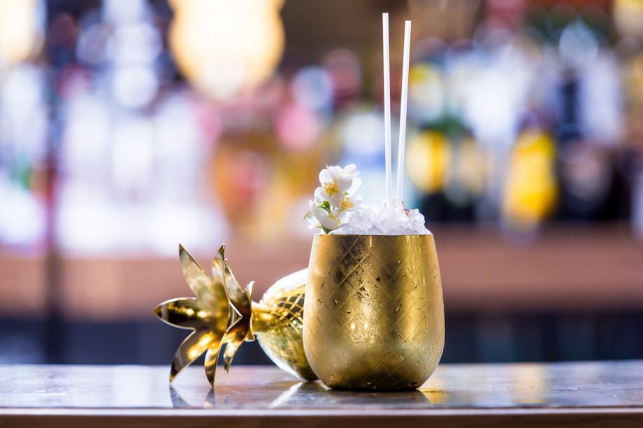 Как настоящий бармен: секреты и рецепты для коктейльной вечеринки