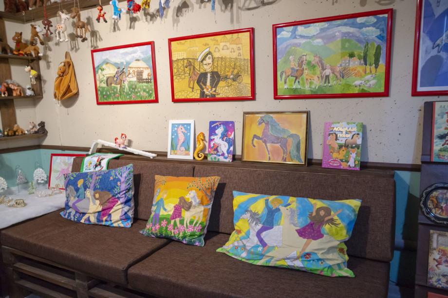 Нашли свой конек: семейная пара из Владикавказа основала музей истории игрушечной лошадки