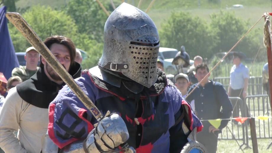Мечом по голове. О чем мечтают рыцари современности?