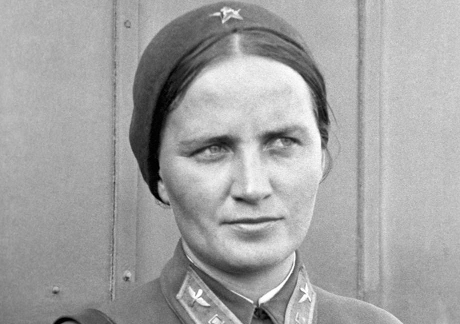 Фашисты называли их «ночными ведьмами», а русские – «ласточками». Истории семи советских летчиц