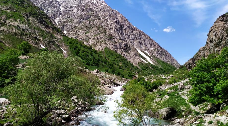 Четыре живописных места недалеко от Душанбе, где можно отдохнуть от городской суеты
