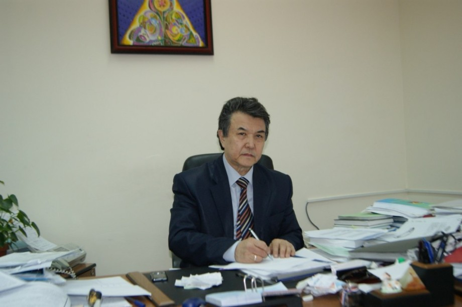 Будьте здоровы: казахстанцы поздравляют медиков с профессиональным праздником