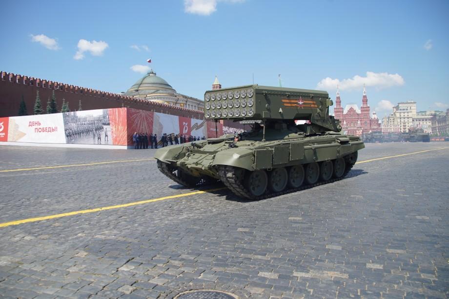 Победили вместе: по брусчатке Красной площади прошли расчеты из стран СНГ