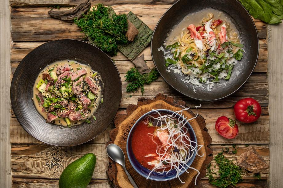 Гаспачо с клубникой, свекольник, гуакамоле: рецепты летних холодных супов