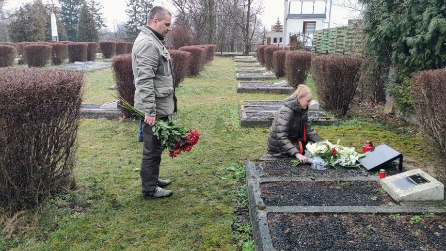 Закрыл телом амбразуру: спустя 75 лет поисковики нашли могилу героя Ивана Солтыса