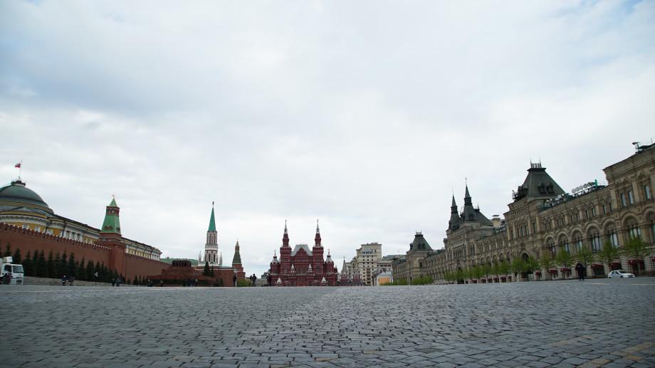 На Красной площади все готово к грандиозному авиапараду
