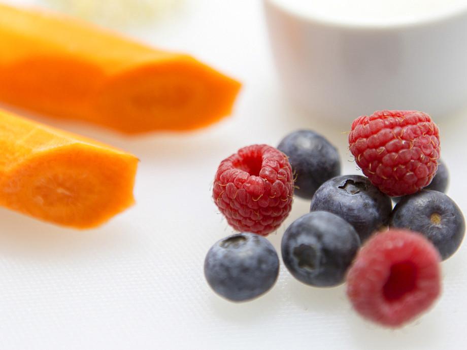Все о питании: как не поправиться во время самоизоляции и какие продукты нужно есть?
