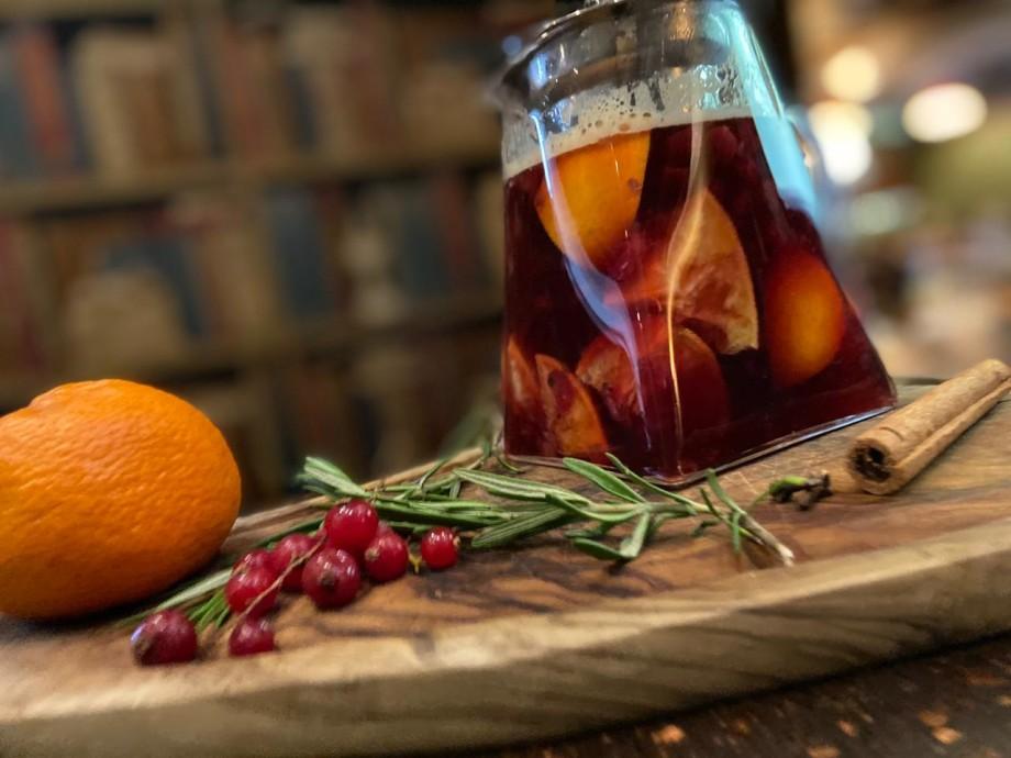 Облепиховый чай, горячий мандариновый коктейль и бронекофе: согревающие напитки для уютной осени