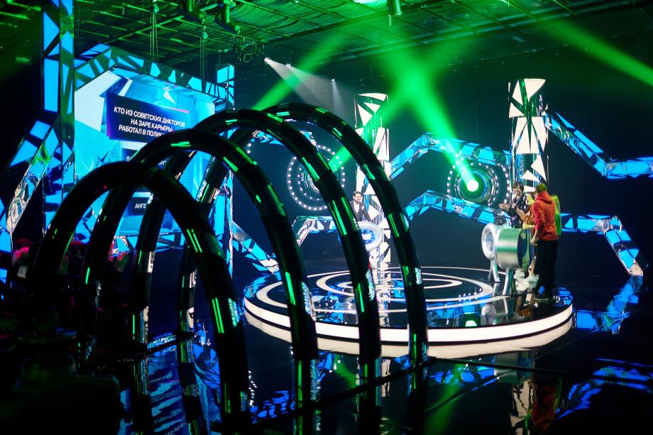 Виктор Логинов – о пионерском лагере, свадьбе и новом шоу «Назад в будущее»