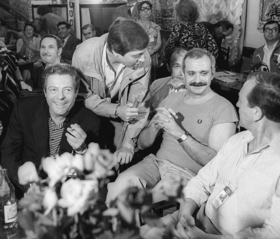 «Невероятный темперамент, он все вокруг рвет и мечет»: каково работать с Никитой Михалковым?