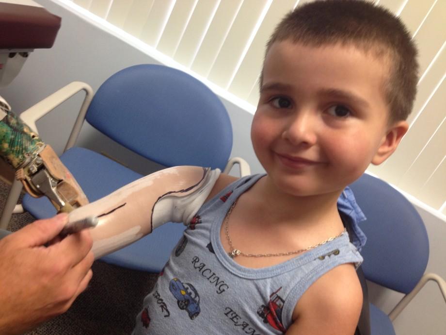 «Он буквально спас всех нас»: сто маленьких пациентов бывшего военврача