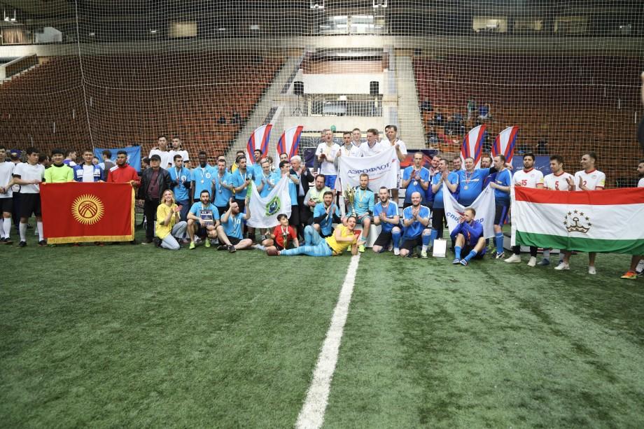 Команда МТРК «Мир» заняла второе место в турнире по мини-футболу в Москве