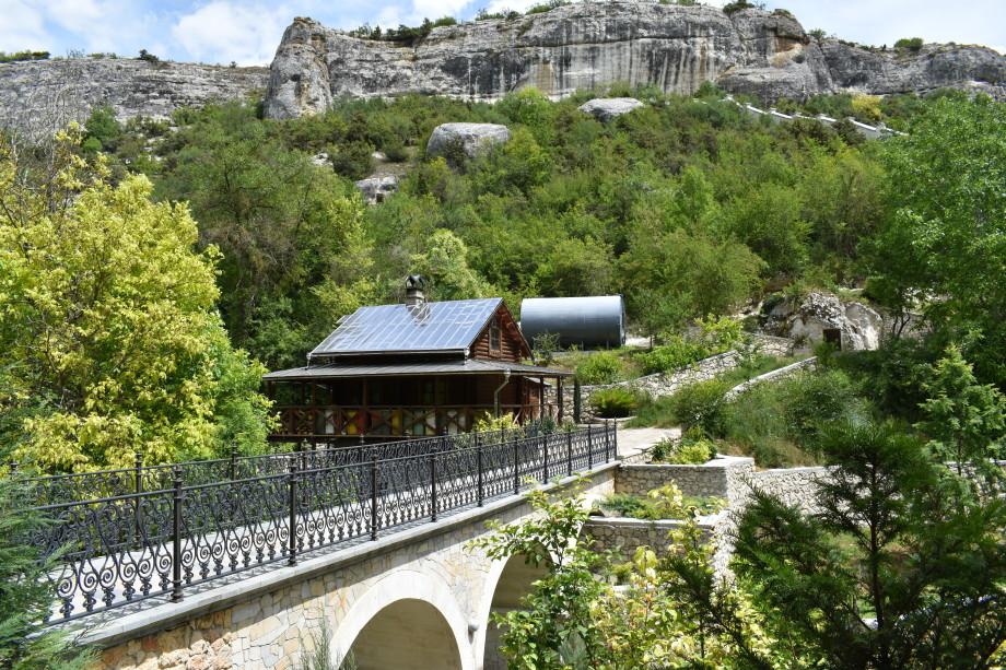 Легенды Бахчисарая: таинственная столица Крымского ханства, Бахчисарайский фонтан и самый древний храм