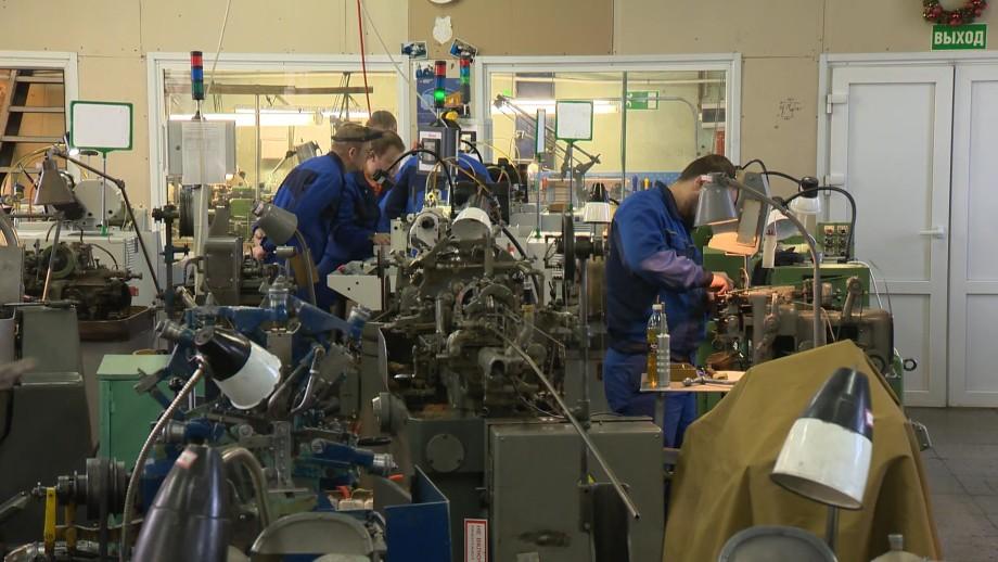 Как петербургские мастера помогают восстанавливать часы Собора Парижской Богоматери