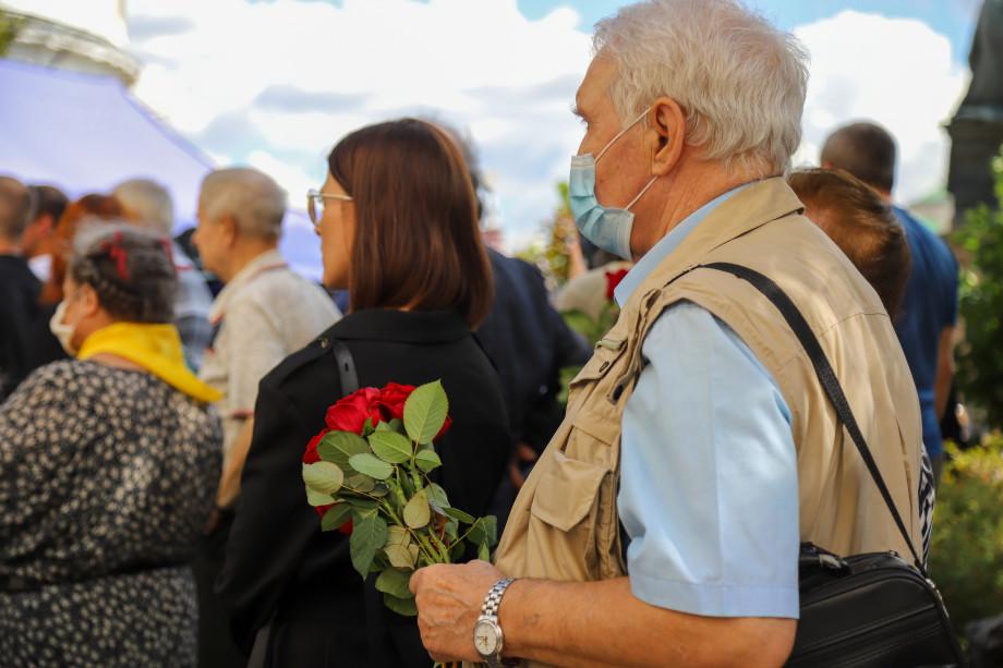 Легенда журналистики: у здания журфака МГУ установят бюст Ясена Засурского