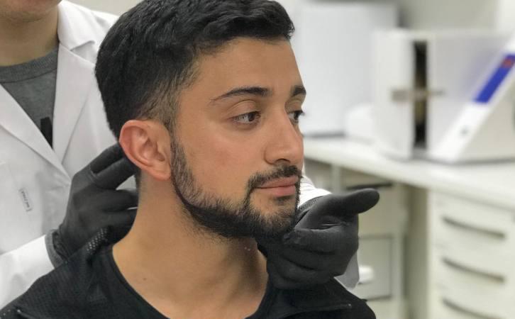 Горбинка, как у Тома Круза, и кубики на животе: зачем мужчины обращаются в косметологические клиники