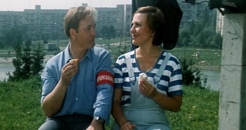 Нетипичная комедия Гайдая «Опасно для жизни»: как снимали и за что критиковали фильм легендарного режиссера?