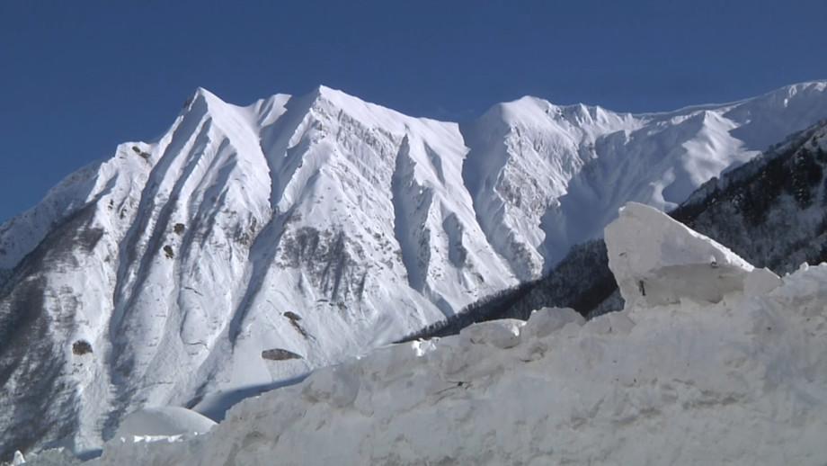 «Прямой наводкой»: зачем в горах «охотятся» за лавинами?