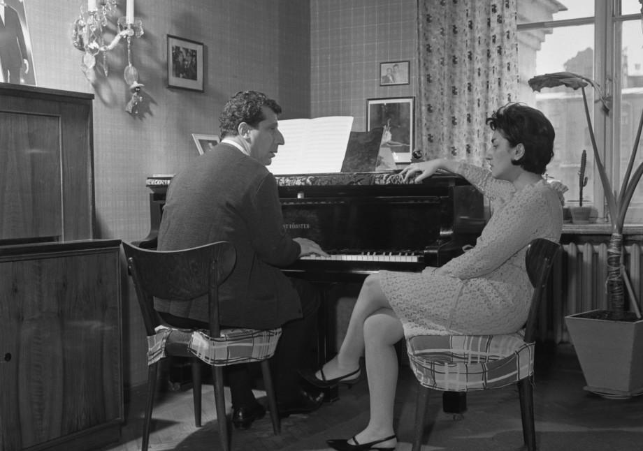 Жизнь как песня: исполняется 100 лет со дня рождения композитора Арно Бабаджаняна