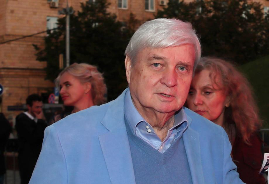 «Режиссер, поставь мне жизнь»: как Александр Стефанович открыл миру Пугачеву и чем за это поплатился?