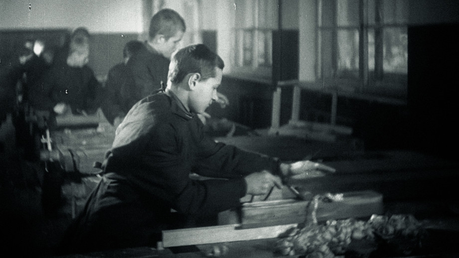 «Мастер заменял нам и маму, и отца, и брата»: как белорусские подростки помогали ленинградцам пережить блокаду?