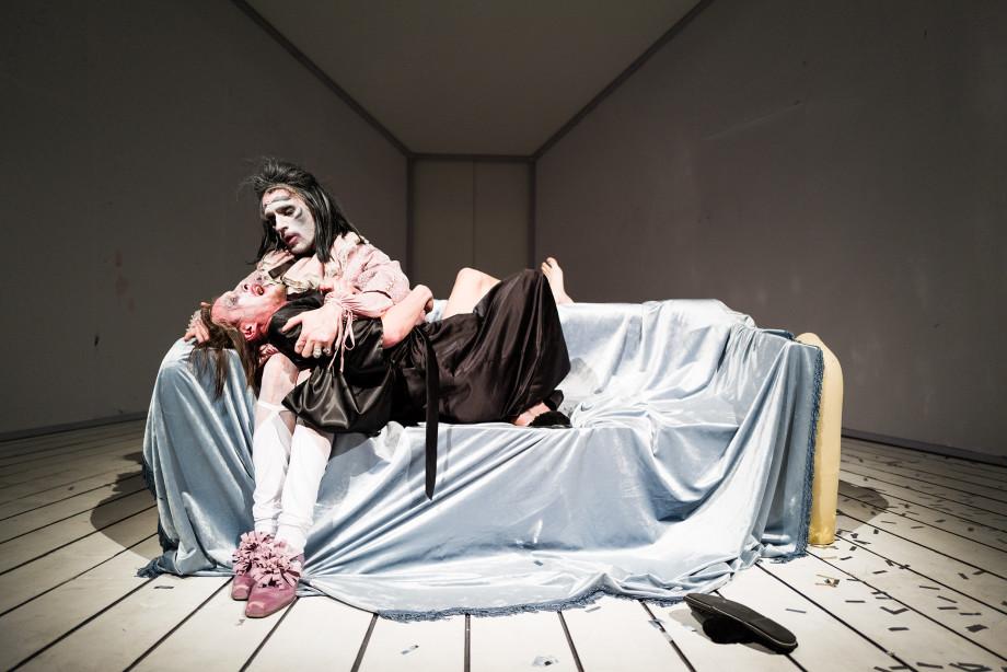«Lё Тартюф. Комедия» в Театре на Таганке: смысл надо искать не в словах, а в мизансценах