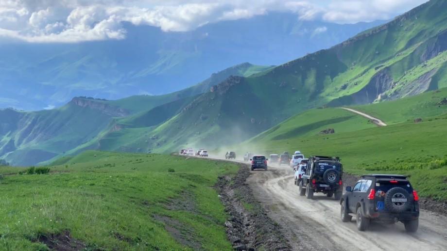 Участники автоэкспедиции по Кабардино-Балкарии поднялись на высоту трех километров