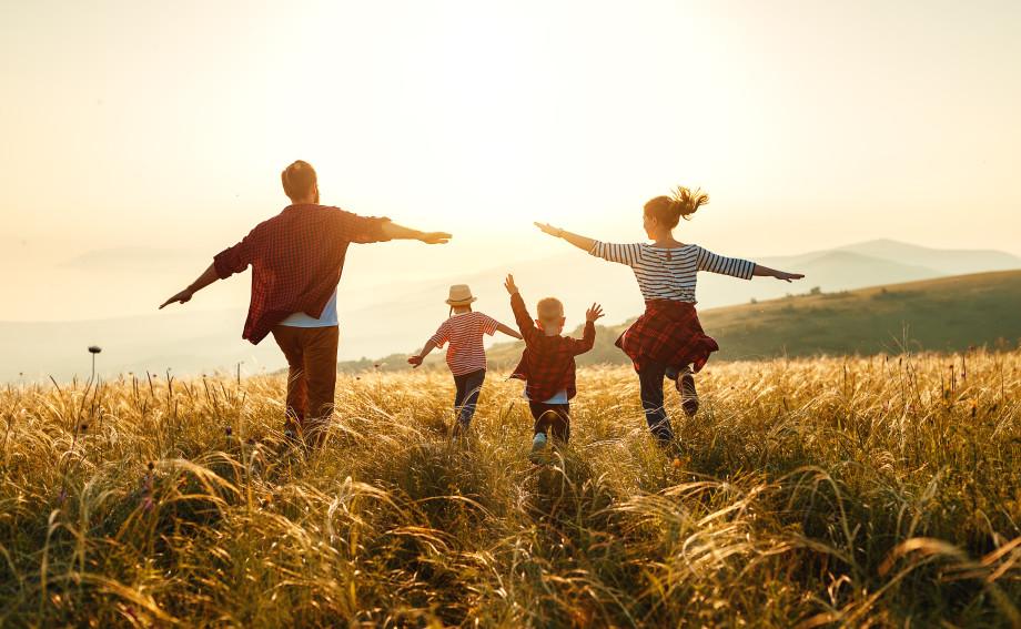 «Постоянное счастье – признак отклонения»: психологи рассказали, как контролировать чувство счастья
