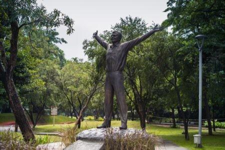 В индонезийской столице открыли памятник Юрию Гагарину