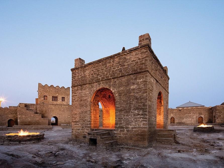 Пять причин встретить Навруз в Баку