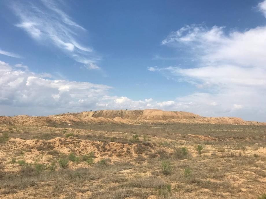 Место поклонения духам: почему красная гора Большое Богдо стала чудом Прикаспийской низменности?