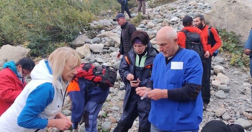Один человек погиб из-за обрушения ледника на Домбае