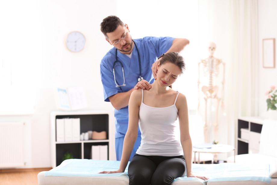 От грыжи до инфаркта спинного мозга: чем опасен остеохондроз и как спасти спину?