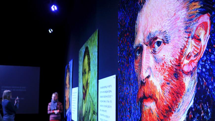 Рентгенограммы картин Ван Гога и Моне выставят в универмаге в Москве