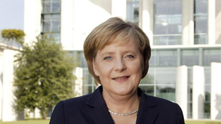 Меркель получила поздравления с 8 марта из ДНР