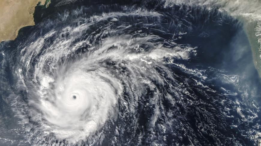 Из-за тайфуна в Китае повреждены около тысячи домов