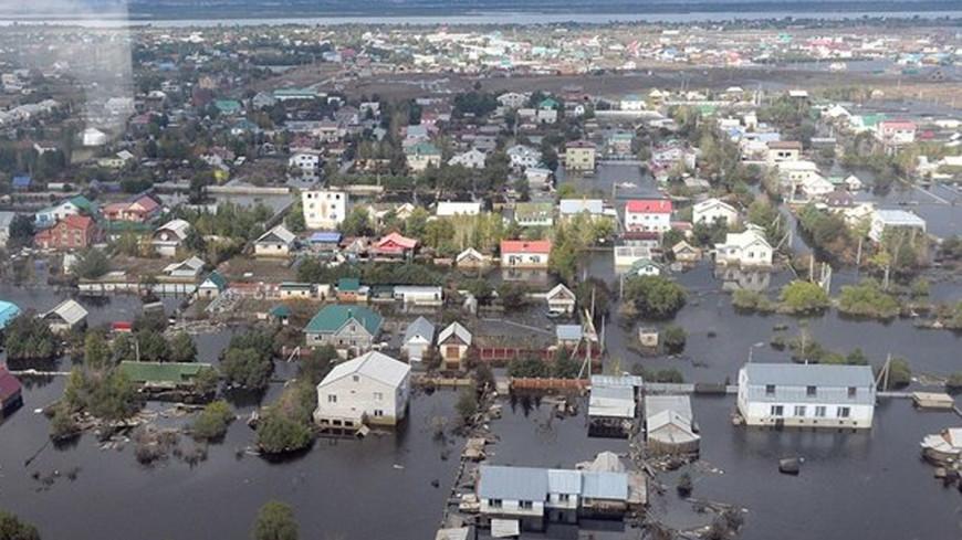 Наводнения в США: четыре жертвы и косяки рыб на шоссе