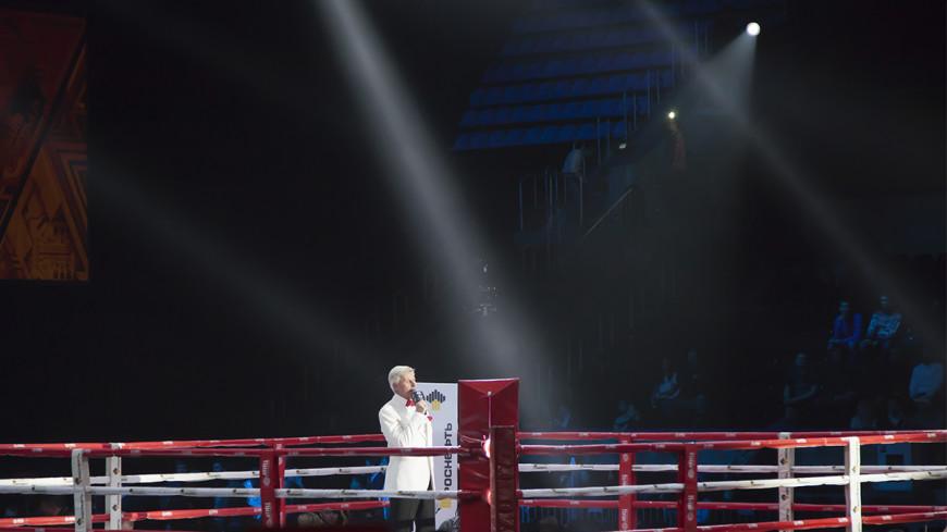 Российский боксер стал чемпионом Северной Америки в трех версиях