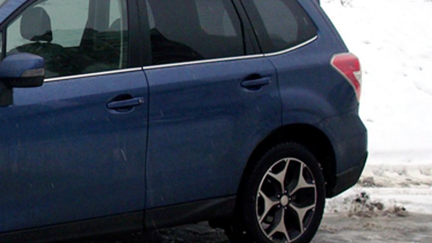 Ледяная трасса: казахстанские водители поменяли колеса на коньки