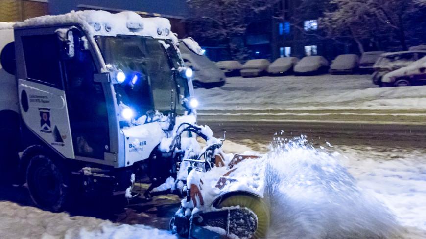 В Москве пешеход исполосовал ножом снегоуборщика