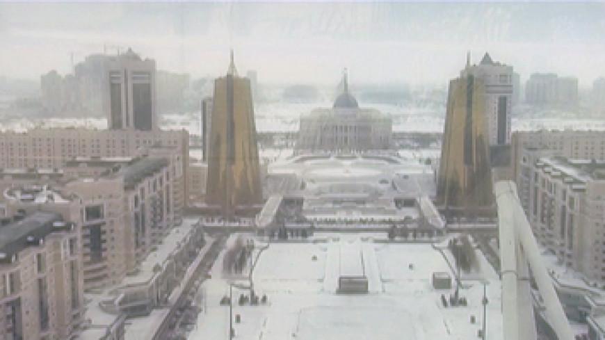 Снегопад вызвал задержки рейсов в Казахстане